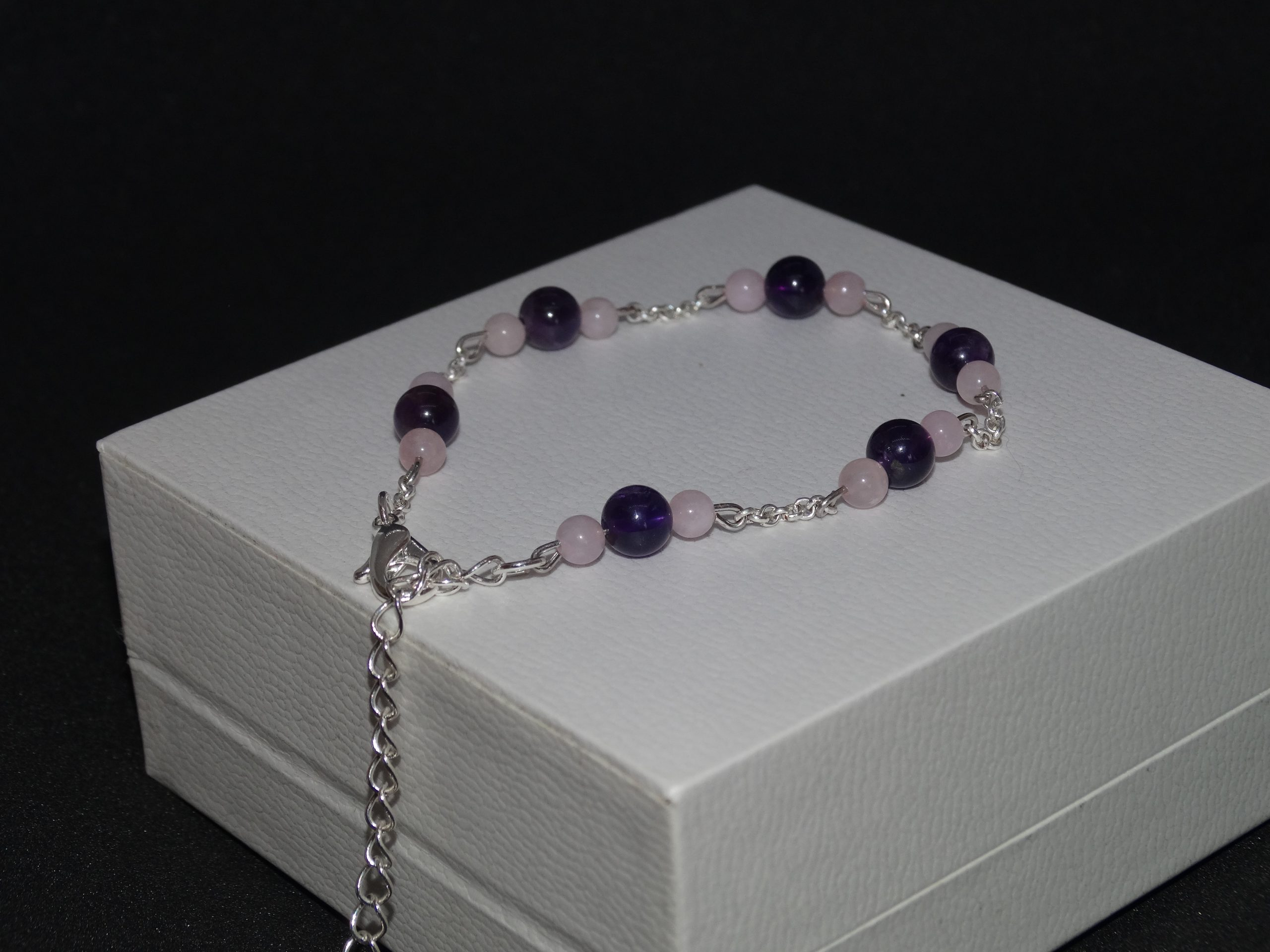 Bracelet fin en améthyste d'Uruguay et quartz rose